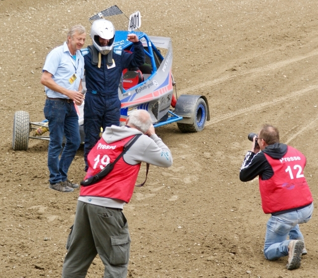 Toni Hoyers erstes Siegerinterview.